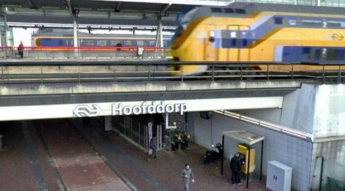 Honking train, after heavy abuse on a conductress NS (Dutch railway) [video]
